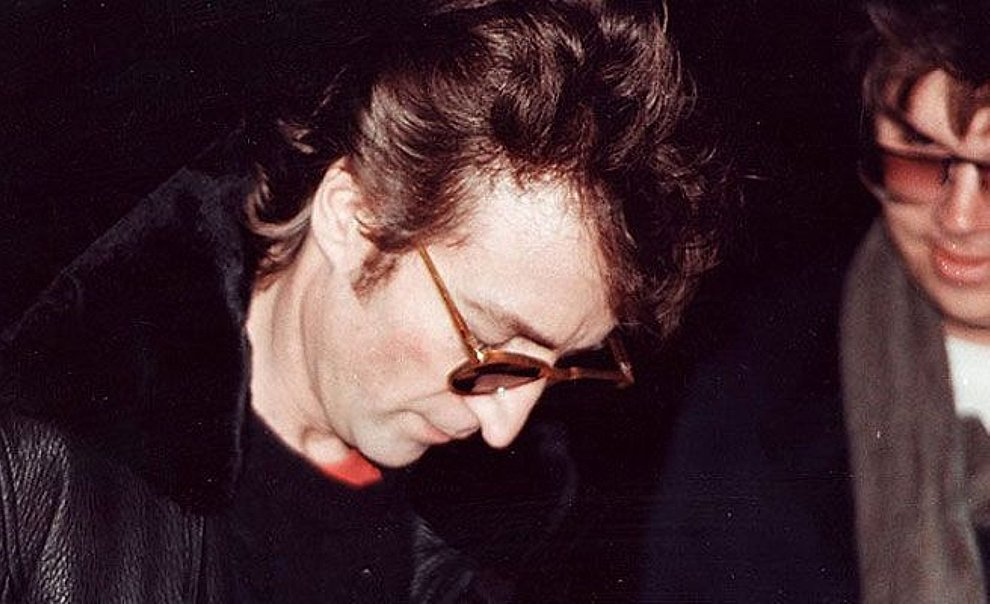 Image result for john lennon shot  to death by chapman